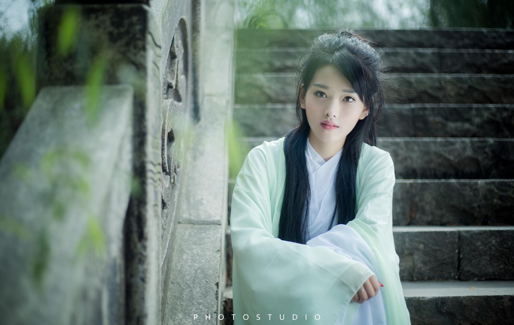 guzhuangmeinv04.jpg